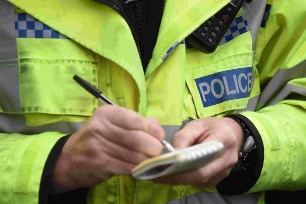 Police warn of town centre purse thefts